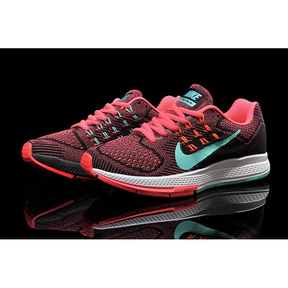 check out 3b720 1acb7 Nike women s air zoom structure 18
